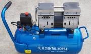 Безшумен Безмаслен стоматологичен компресор  Fuji Dental TS 750W  35L