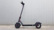 Електрическа тротинетка E-SCOOTER  PRO  8AH BLACK 250W